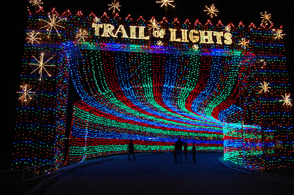 Good Grit's Five Favorite Holiday Light Displays | Good Grit Magazine:Good Grit's Five Favorite Holiday Light Displays,Lighting